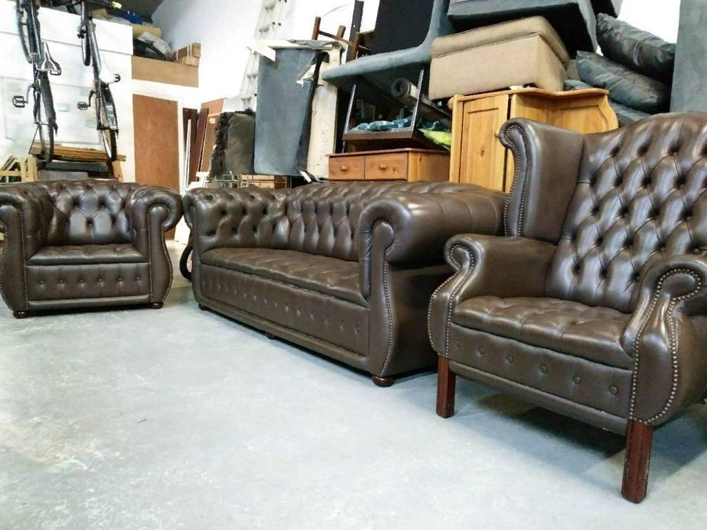 Full buttoned Chesterfield suite high quality