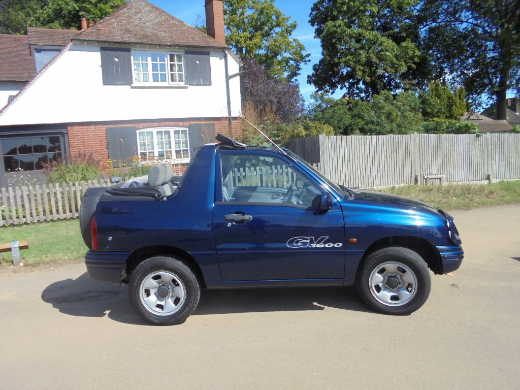 2003 suzuki grand vitara 1 6 convertible soft top 80000 miles in richmond london gumtree. Black Bedroom Furniture Sets. Home Design Ideas