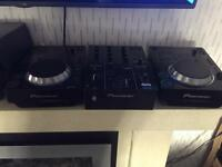 PAIR OF CDJ 350 & DJM 350 Mixer