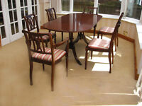 EXCELLENT CONDITION –ELEGANT EXTENDING DINING TABLE & 6 ORNATE CHAIRS (CAN DELIVER)