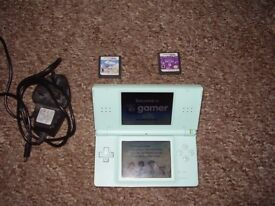 NINTENDO DS LITE WITH GAMES AND CHARGER MINT