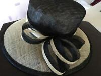 Black and ivory classic hat