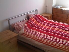 Decent 2 bed flat to share