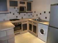 GREAT LOCATION!!! Dont miss OUT !!! 2 Bedroom Flat in The Heart Of Wimbledon