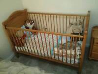 Baby cot with mattress Great condition