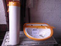 Brand new white Wickes bathroom hand basin & pedestal £20