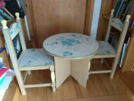 Kids table and chairs wooden upcycle