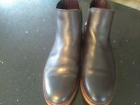 Men's OFFICE Chelsea boots, black, size 9. Very good condition.
