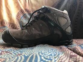 Walking boots.regatta isotex size uk5