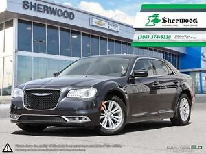 2016 Chrysler 300 Limited Leather/Roof/NAV!!
