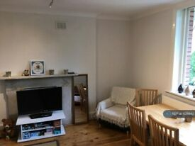 1 bedroom flat in Fitzjohns Ave, London, NW3 (1 bed) (#1128842)
