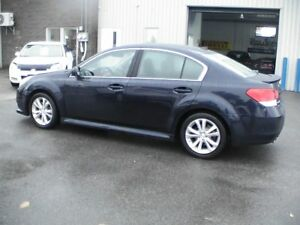 2013 Subaru Legacy 3.6R Limited w/EyeSight AWD NAV. CAMÉRA TOIT