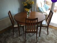 G PLAN EXTENDABLE DINING TABLE WITH 5 CHAIRS