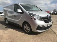 *** 2015 SILVER RENAULT TRAFIC SPORT ONLY 53000 MILES FROM NEW ***