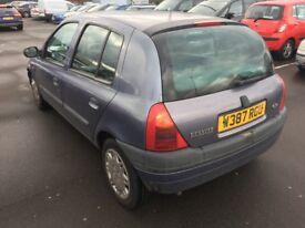 2000 w reg Renault Clio 1.6 petrol 5 doors automatic cheap car