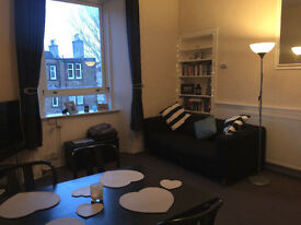 Fully furnished One bedroom flat to rent in Polwarth