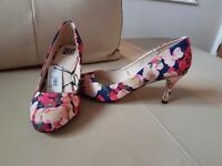 Size 5 small heel