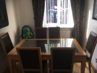 Light oak dining table including 6 x chairs