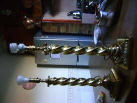 2 BRASS TABLE LAMPS WITH SHADES