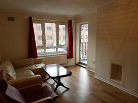 Large 3 bed flat by broads st