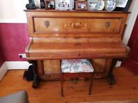 Stand up H M Katz (made in Berlin) Piano