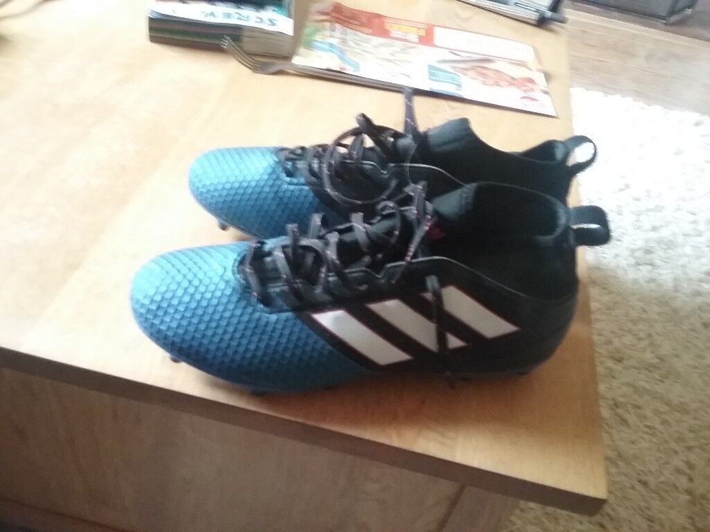 Addidas 17.3 boots size 9