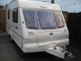 pageant magenta 2000 2 berth with motor mover