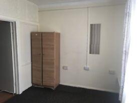 1 Bedroom First Floor Flat (Goodmayes)