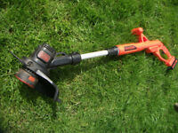 Cost £89.98! 18v Battery Li Ion Black Decker Grass Trimmer ST 1823! Nearly new!