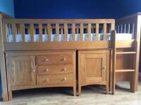 Child's sleep station