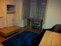 Double room in perfect location just off Mill Road for 1 person