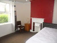 Double room to rent in 3 bed house close to Reading Town Centre- RB ESTATES 0118 9597788 Bills incl