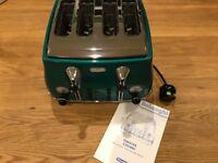 DeLonghi Icona 4 slice toaster - green silver & Black