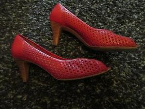 Souliers rouge gr 8 AA Red Shoes EVAN PICONE