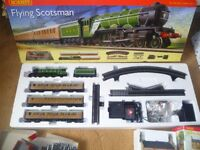 HORNBY FLYING SCOTSMAN TRAIN SET WITH EXTRA'S