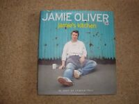 Jamie Oliver Cookery Book - Jamie's Kitchen