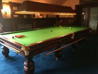 FULL SIZE SNOOKER TABLE & ACCESSORIES