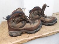 North Face Boots - size 8