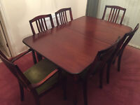 Beautiful Solid Mahogany Wood Extendable Dining Table - with 6 chairs