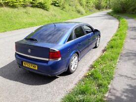 Blue Vauxhall Vectra brand new 12 months MOT good condition all round very good runner