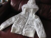 WHITE GIRLS JACKET for age 8-9 BEAUTIFUL CONDITION with hood / pockets very cool coat REDUCED AGAIN