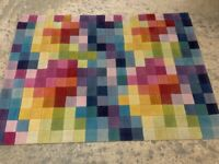 Wool Rug - 140cm x 200cm. Excellent condition. Cost £550 new
