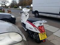Sym fiddle 3 125 cc scooter 2014 model red white low mileage very good condition
