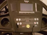 Treadmill Reebok mp3 built in incline