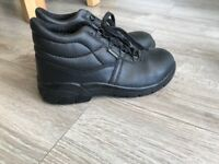 Ladies Safety Shoes Size 6
