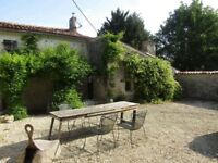 Holiday Let in Charente Maritime, 2 Bedroom Cottage with Pool