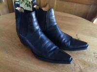 R Soles Boots UK 10.5...fits a 10.