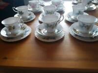 Vintage tea set 18pces good. Condition
