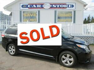 2012 Toyota Sienna V6 CE STOW-N-GO SEATING!! DUAL CLIMATE CONTRO