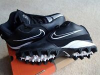 NIKE VICK 2 Football / Rugby Boots BRAND NEW Size 3.5